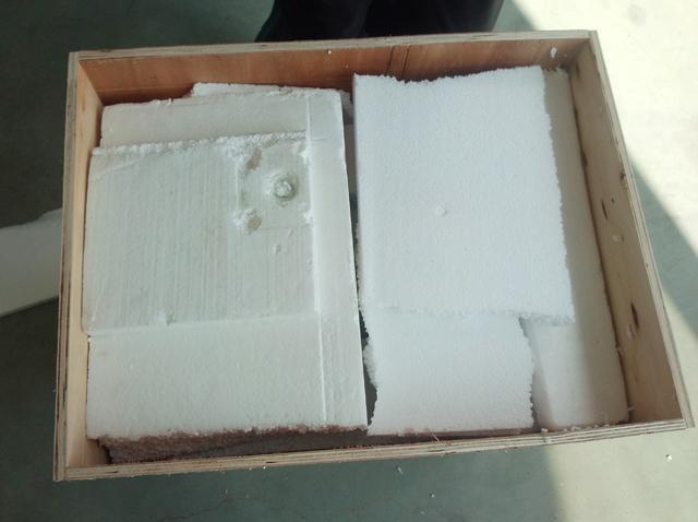 wooden case packing for labeller .jpg