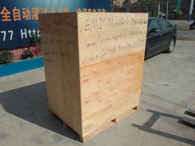 wooden case packing for filling sealing before shipping.jpg