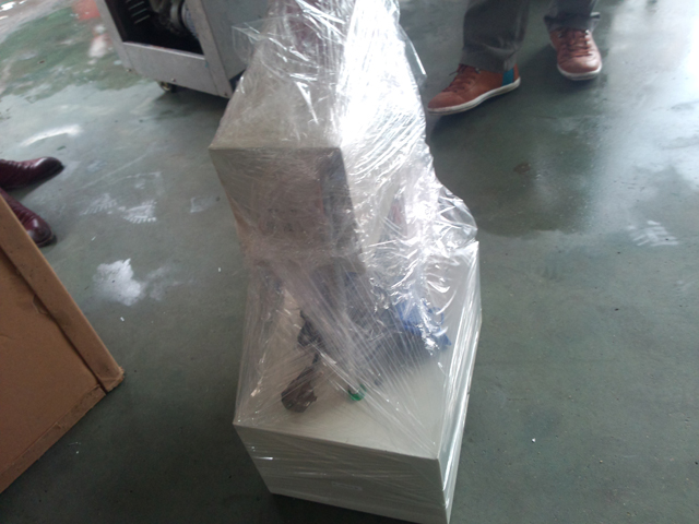 ready for shipping vials crimping machine.jpg