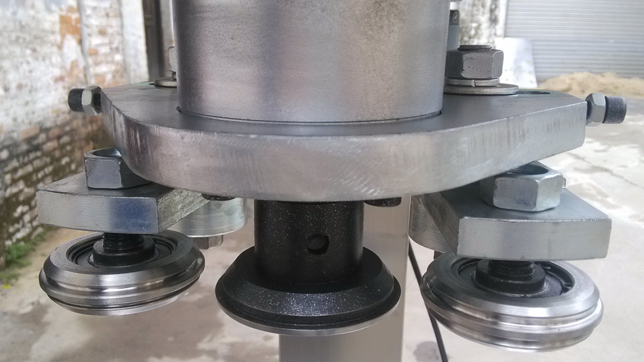 capping head.jpg