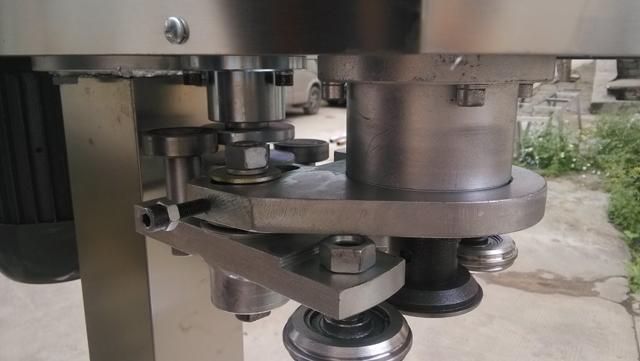 stainless steel sealing head for metal cans sealing.jpg