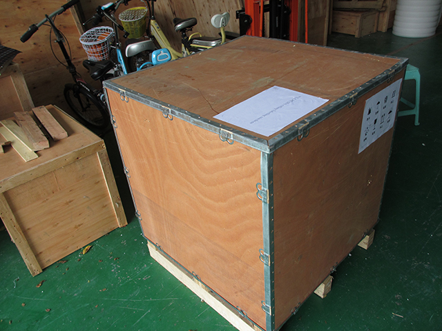 wooden case packing for model YX-LM520A rolling labeling mac