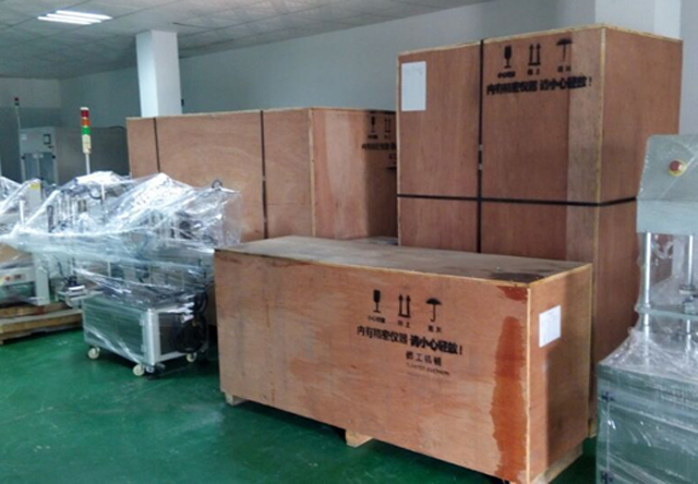 wooden case packing for penglai machinery facial.jpg