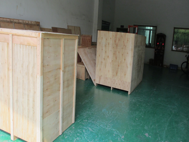 labeling machine for export wooden case.jpg