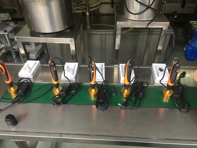 bottles capper 5pcs semi automatic.jpg