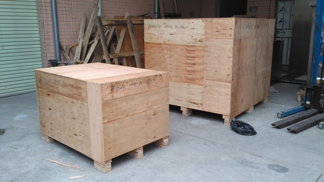 wooden case for exporting bag given packing.jpg