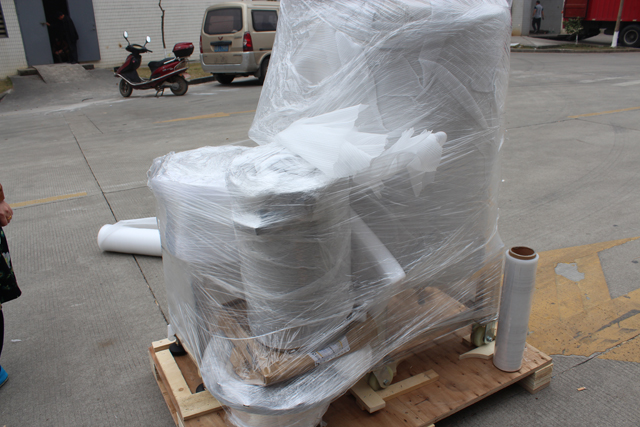 machine in foam wrapper before wooden case (2).JPG