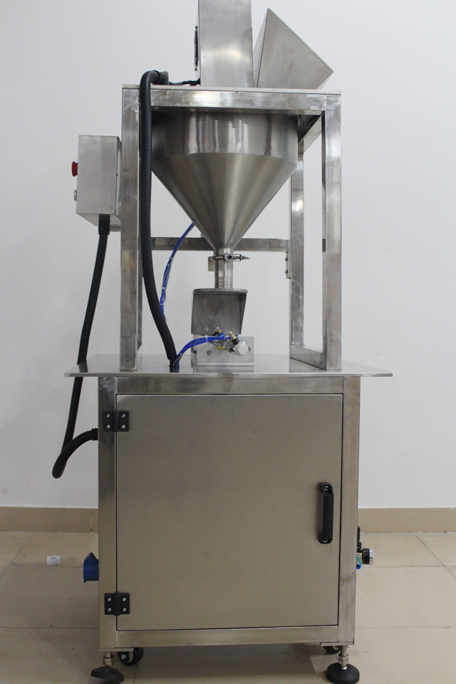side shot on model YX-TF01 filling machine.jpg