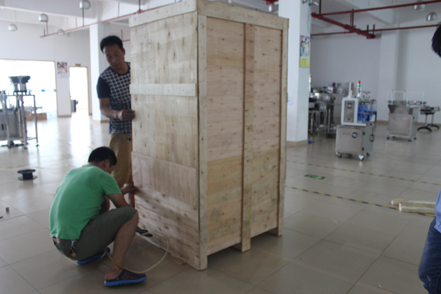 WOODEN case packaging for model YX-TF01 tea filling machine