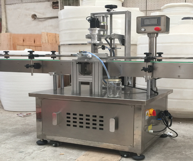 model YX-AC60 automatic capper.jpg