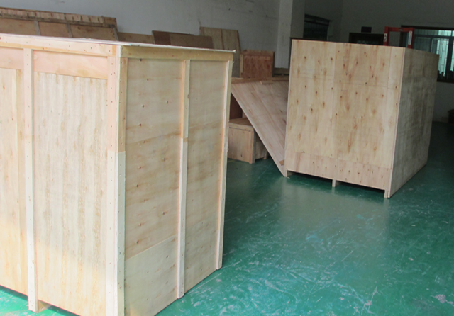 wooden case packing for filling line.jpg