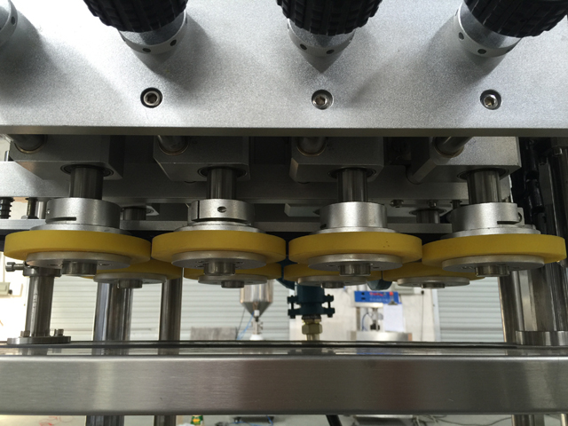 capping head for machinery.jpg