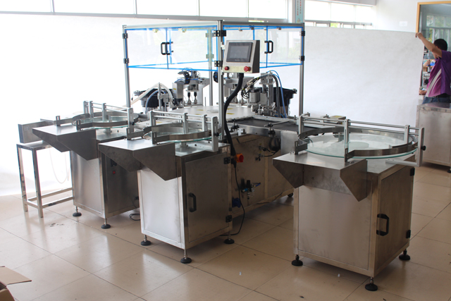 filling bottling oil machine.jpg