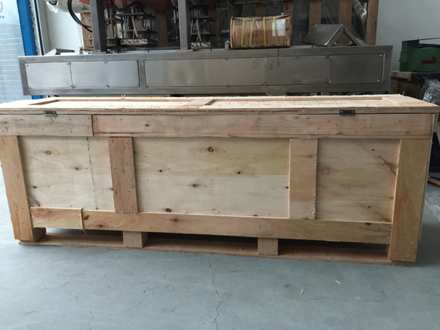 wooden case packing for filling machine.jpg