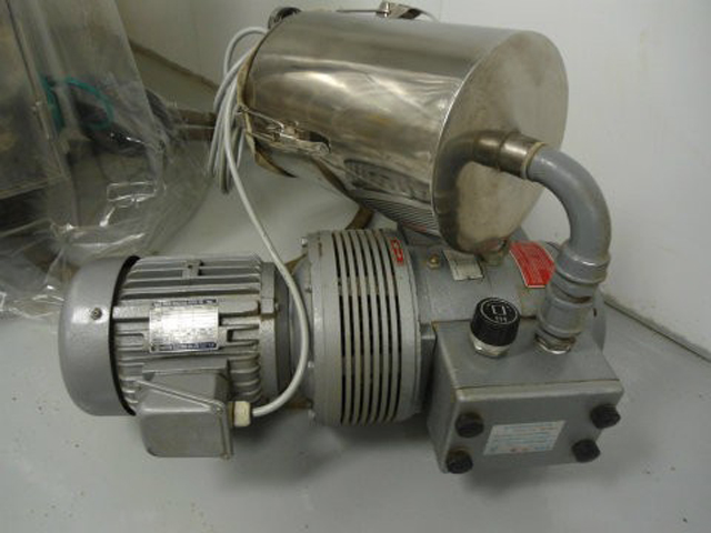 vacuum pump for capsule filler.jpg