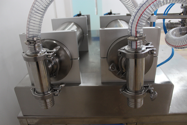 double heads 1-5L filling machine for thick viscosity materi