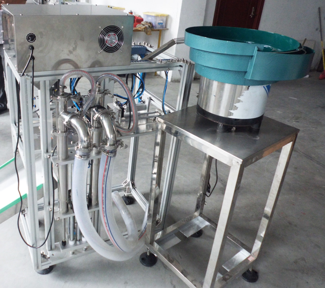 simple filling capping machine for bags.jpg