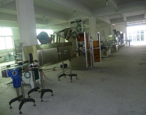 shrink sleeve labeling machine with steam shrink tunnel generator for plastic bottles automated machine for drinking inductry
