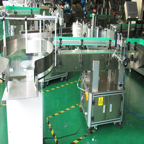 Vertical red wine labeling machines automatic with round turntable bottles feeding system transparent labels labeller machinery automatic