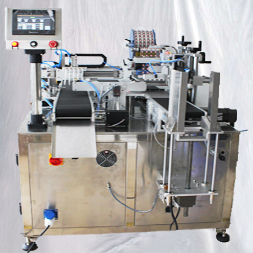 automatic double lanes battery labeling machine lithium cells round coils suction feeding labeller equipment customized labels applicator