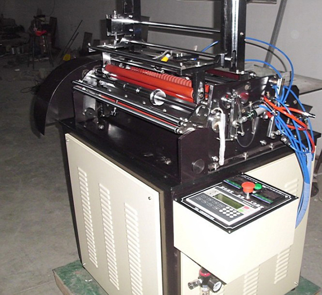 semi automatic hot melt labeller.jpg