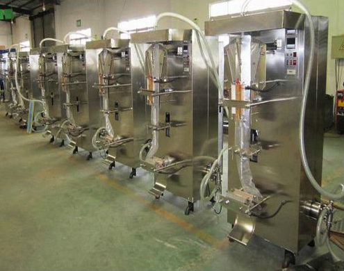 liquid pouch packing machine in a row.jpg