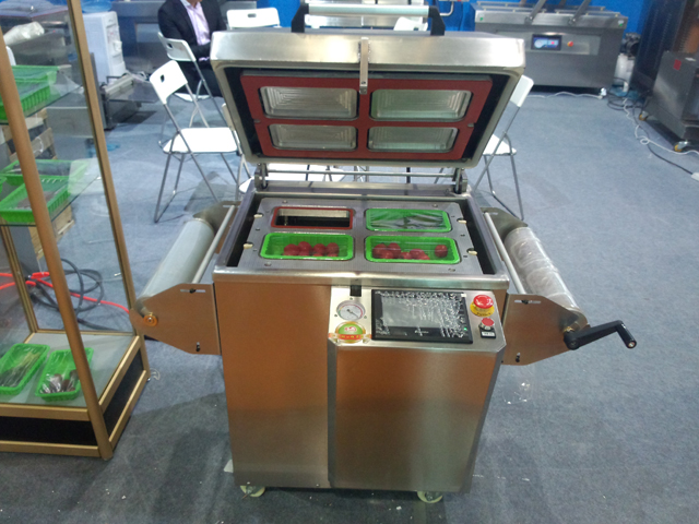 vacuum tray sealing equipments.jpg