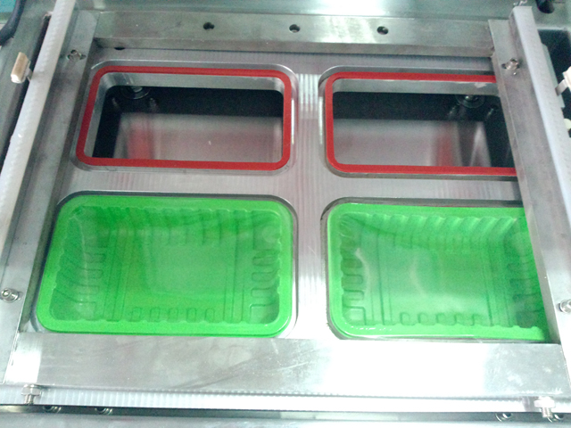 mould 4 holes for boxes with different sizes.jpg