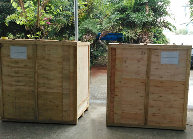 Wooden case for sealing machines.jpg