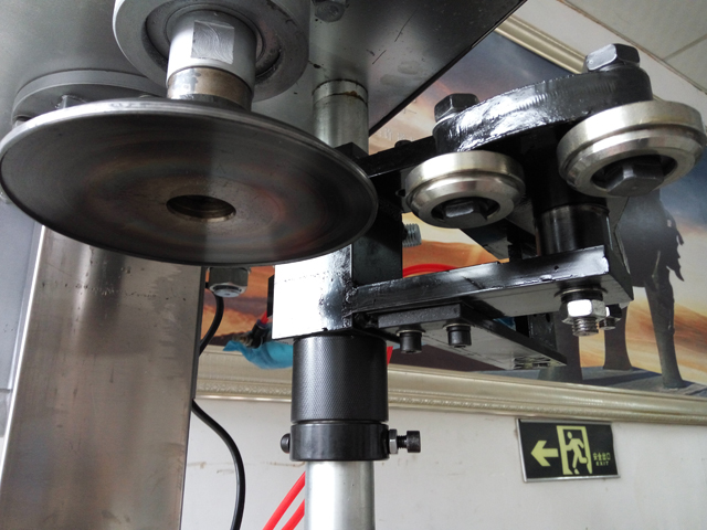 capping head for sealing machines.jpg