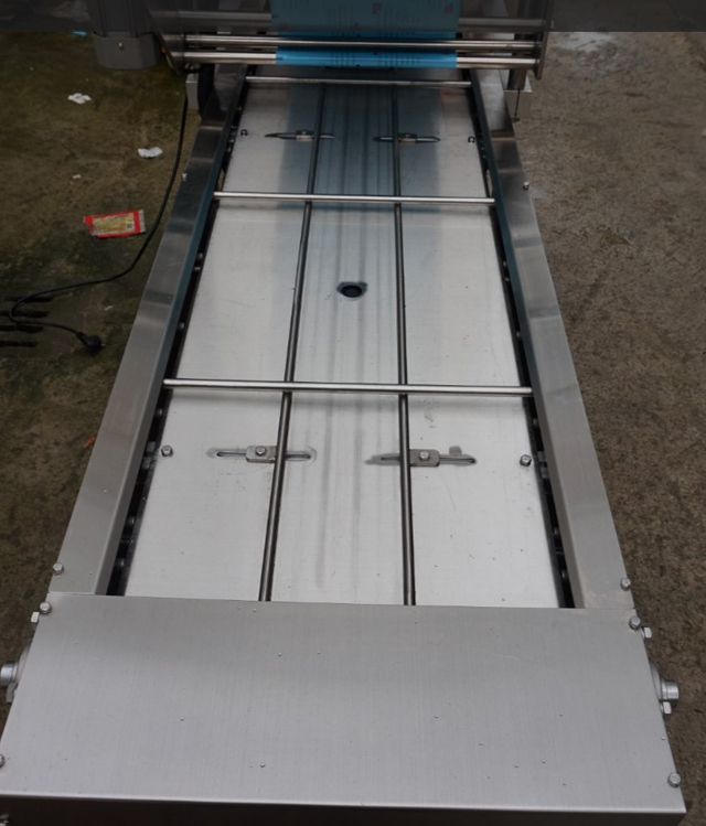 automatic one tray sealer.jpg