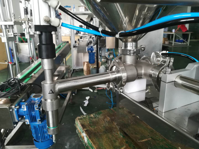 filling nozzles part for filling machines.jpg